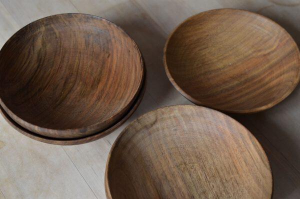 Nußbaum Grünholzschalen